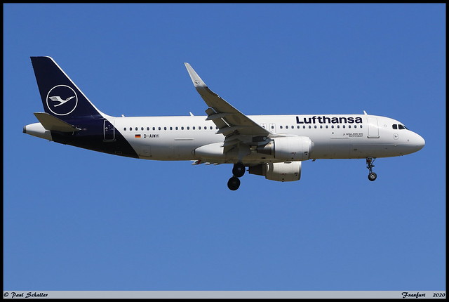 AIRBUS A320 214 Lufthansa D-AIWH 8911 Frankfurt juin 2020