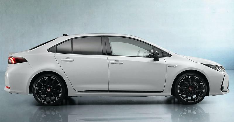 2021-Toyota-Corolla-Sedan-GR-Sport-European-spec-14