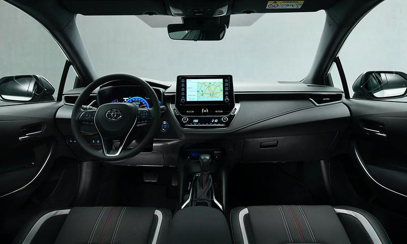 2021-Toyota-Corolla-Sedan-GR-Sport-European-spec-5