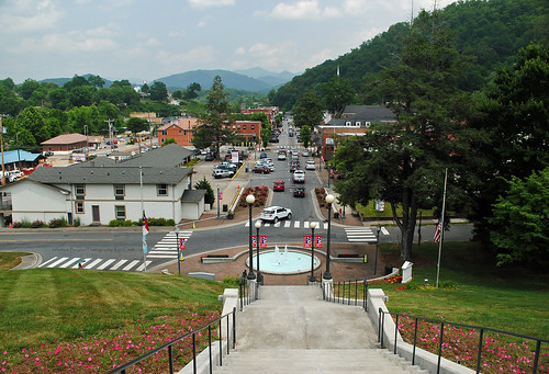 sylva northcarolina nc court steps town view