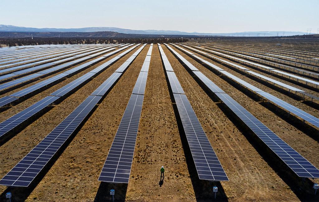 Apple 80% 以上的再生能源採購自 Apple 設立的能源計畫。