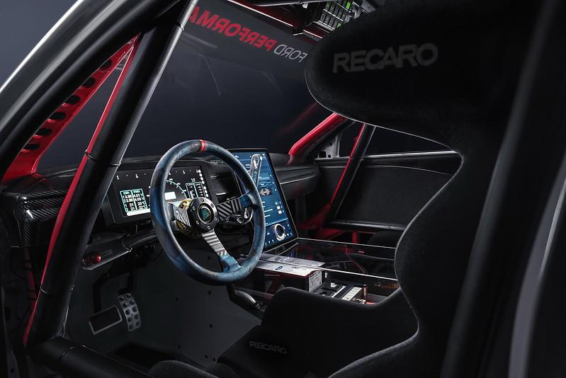 Ford-MachE-1400-49