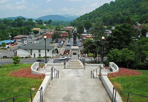 sylva northcarolina nc court steps town view statue threebillboardsoutsideebbingmissouri