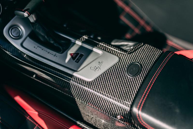 Mercedes-SLR-McLaren-Stirling-Moss-19