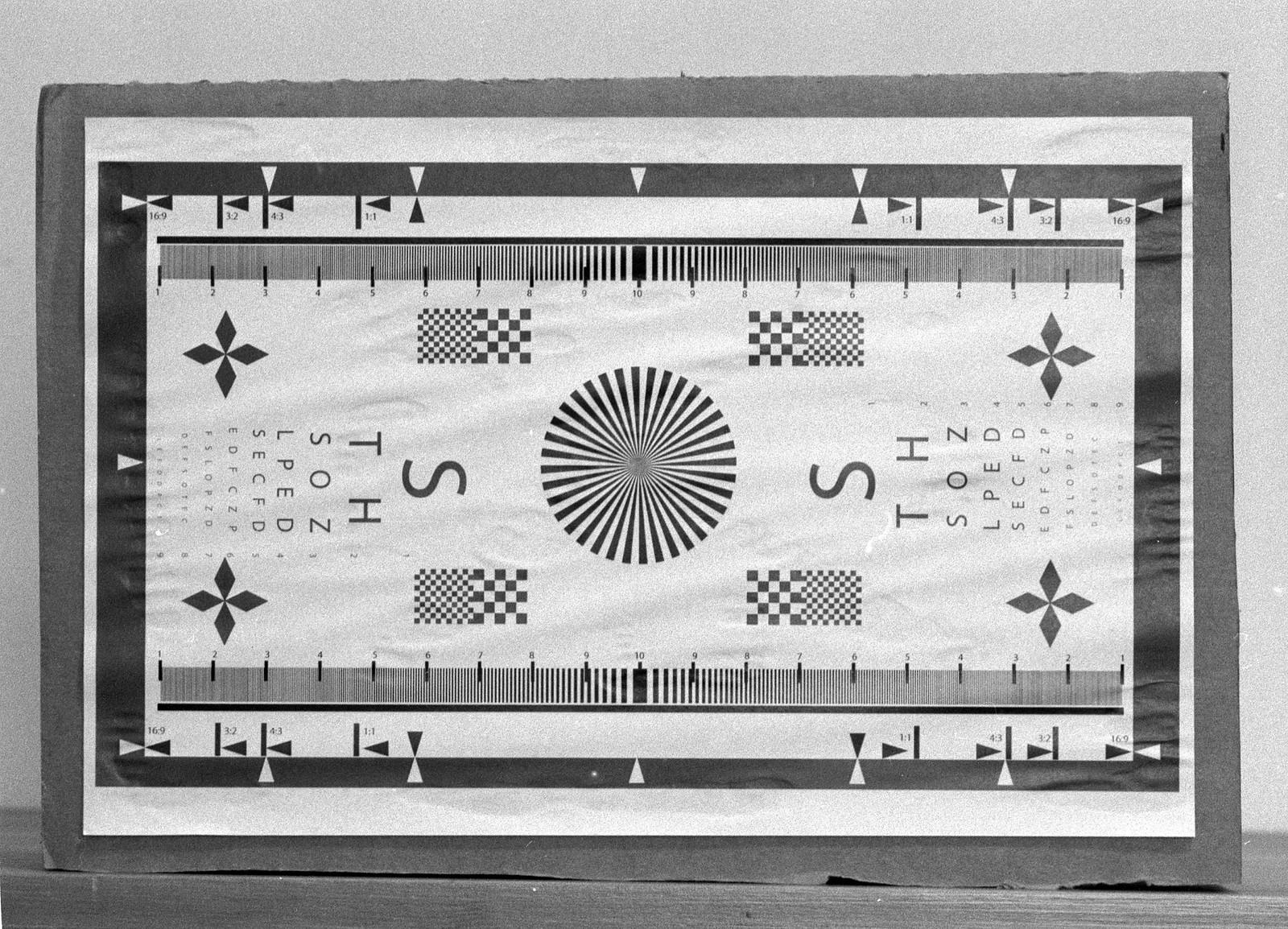 Optical Review Blog No. 11 - Minolta MC Tele Rokkor-PF 1:2.8 f=135mm