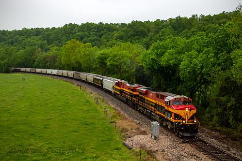kcs kansascitysouthern kcs4707 gees44ac ge es44ac gevo rain train trains railroad railway railfan railfanning missouri lanaganmo ozarks
