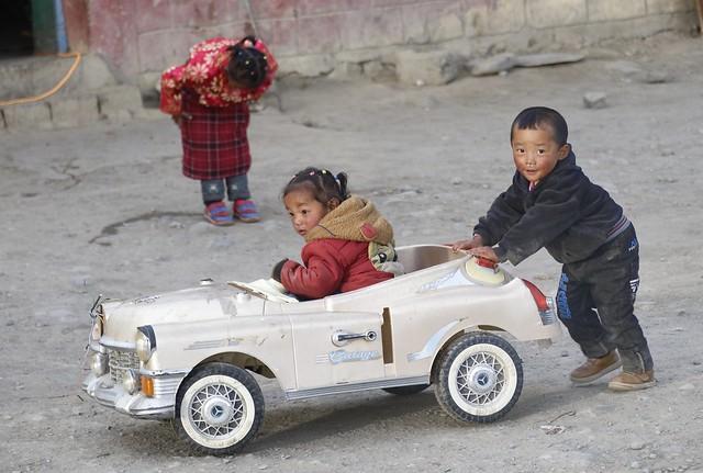 Nice car in Darchen, Tibet 2019