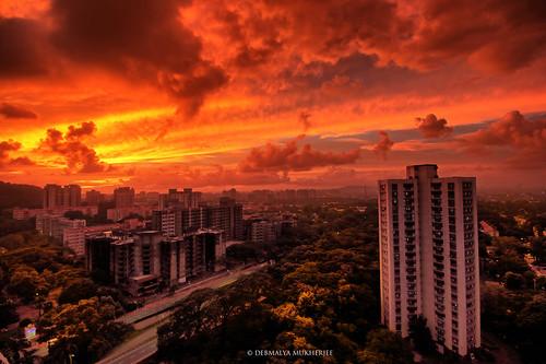 debmalyamukherjee canon550d 1018mm sunset dusk mumbai anushaktinagar cloudscape scarlet