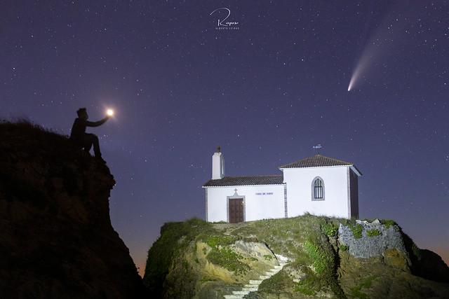 Hermita Virxe do Porto de Meiras & cometa Neowise