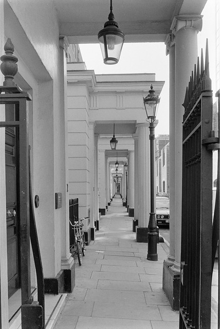 Connaught Place, Bayswater, Westminster, 1987 87-5g-61-positive_2400