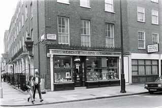 Meacher, Higgins & Thomas, Chemists, Crawford St, Marylebone, Westminster, 1987 87-5e-43-positive_2400
