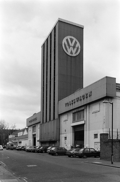Volkswagen, Lodge Rd, St John's Wood, Westminster, 1987 87-5c-46-positive_2400