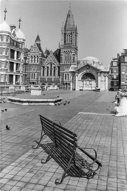 Brown Hart Gardens, Mayfair, Westminster, 1987 87-5g-24-positive_2400