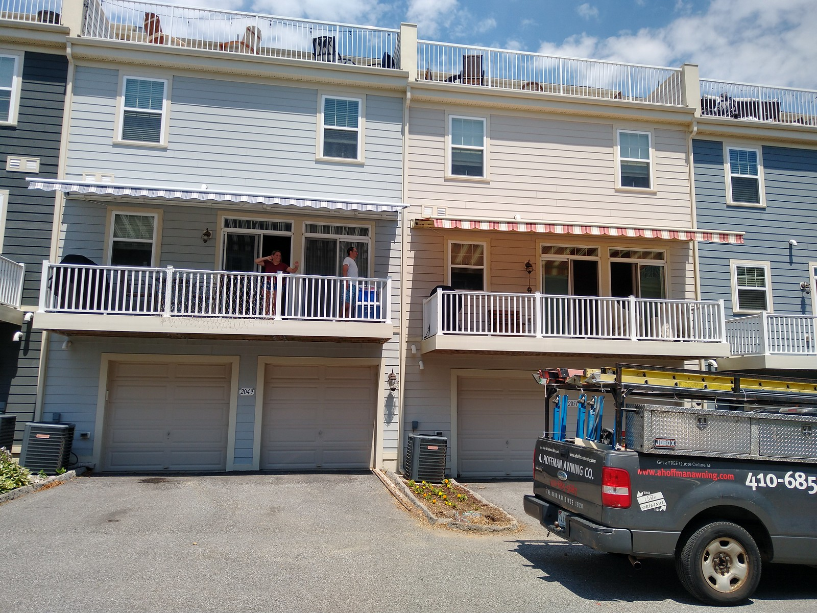 Townhouse Retractable Awnings