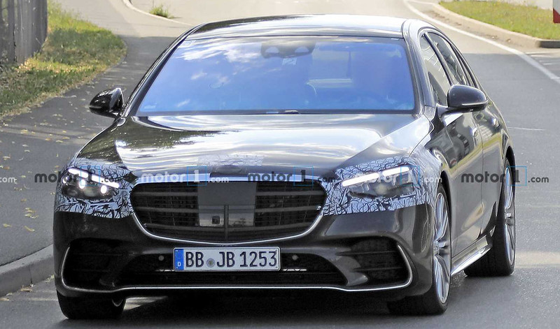 2021-mercedes-s-class-spy-photo-front-view