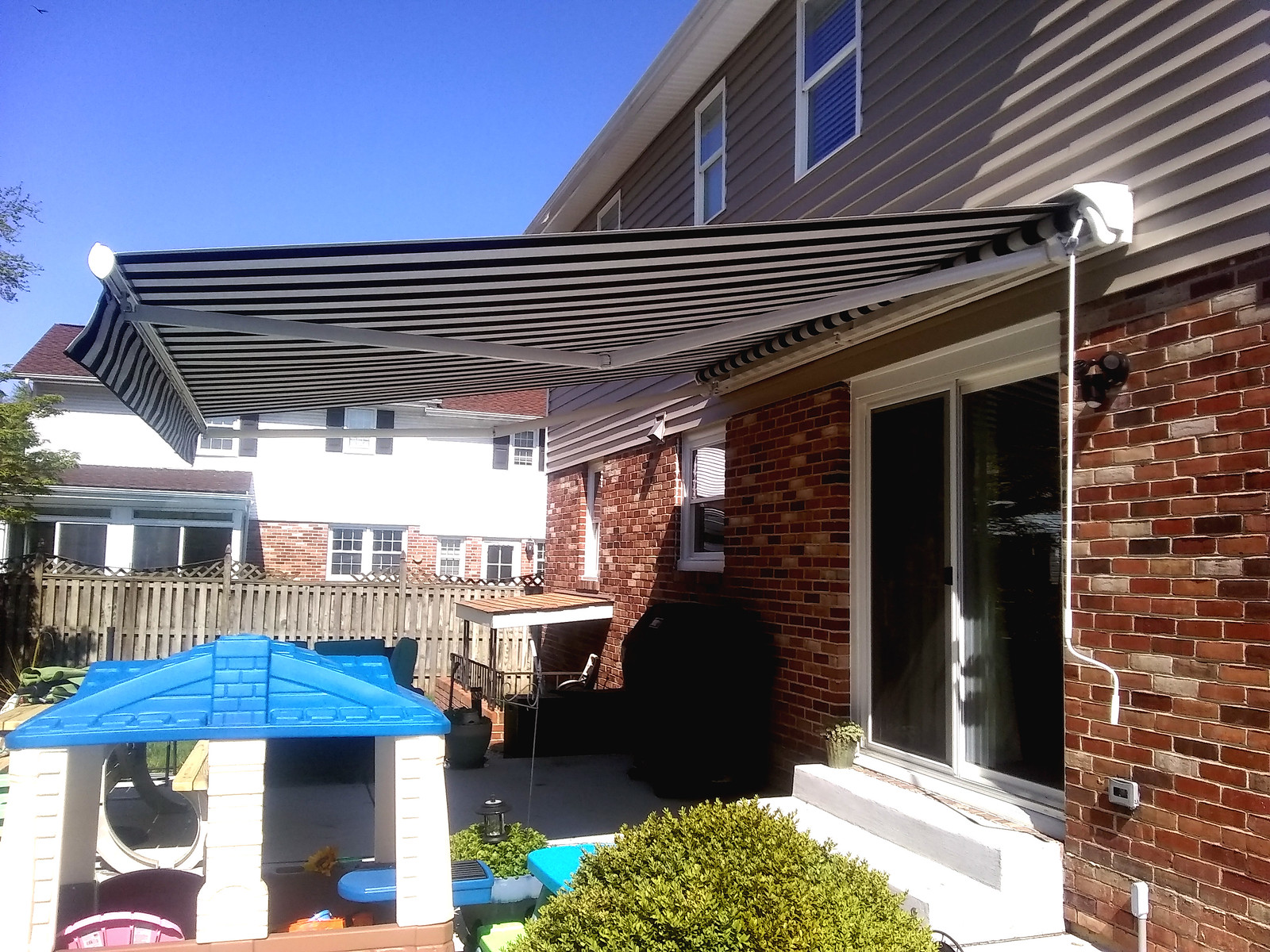 Staight Valance Retractable Awning