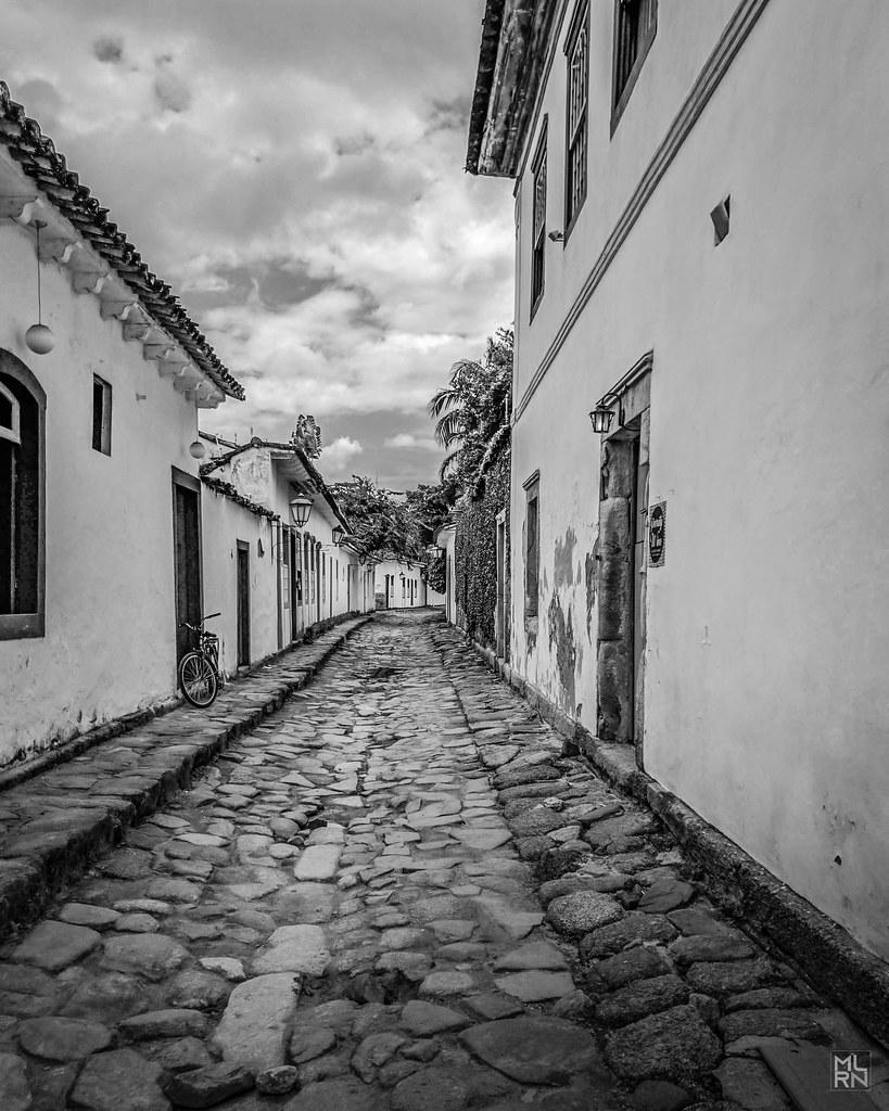Pelas ruas de pedra