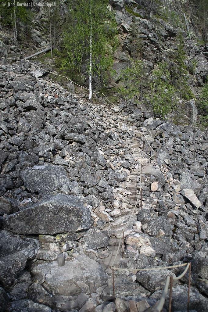 Hossa Ölökyn ylitys kivinen polku