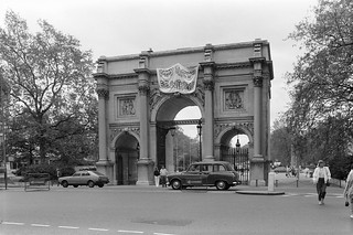 'May the 4th be with you', Marble Arch, Westminster, 1987 87-5k-52-positive_2400