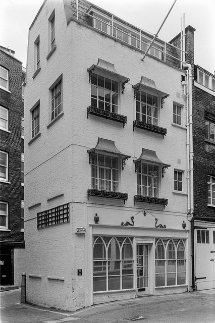 Brook St, Mayfair, Westminster, 1987 87-5j-46-positive_2400