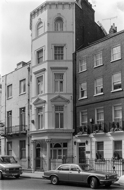South Audley St, Mayfair, Westminster, 1987 87-5i-53-positive_2400