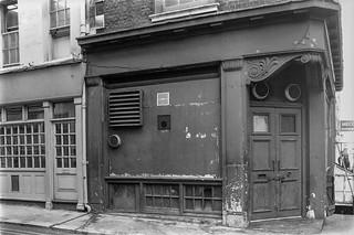 Hertford St, Mayfair, Westminster, 1987 87-5h-64-positive_2400