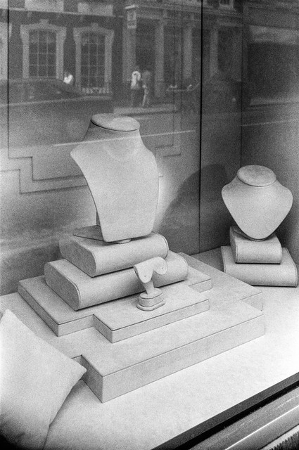 Conduit  St, Mayfair, Westminster, 1987 87-5n-53-positive_2400
