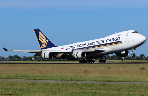 Singapore Airlines Boeing 747-412F 9V-SFP | by RuWe71