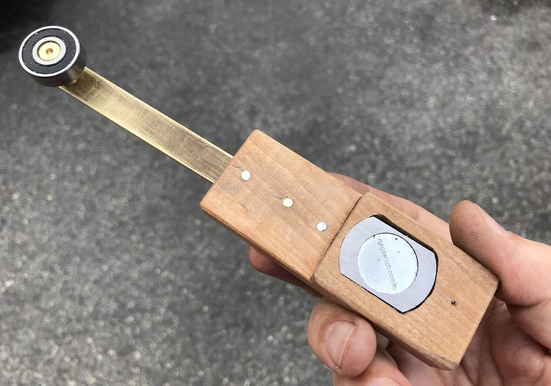 Base of On/Off magnetic sewing guide for 29K