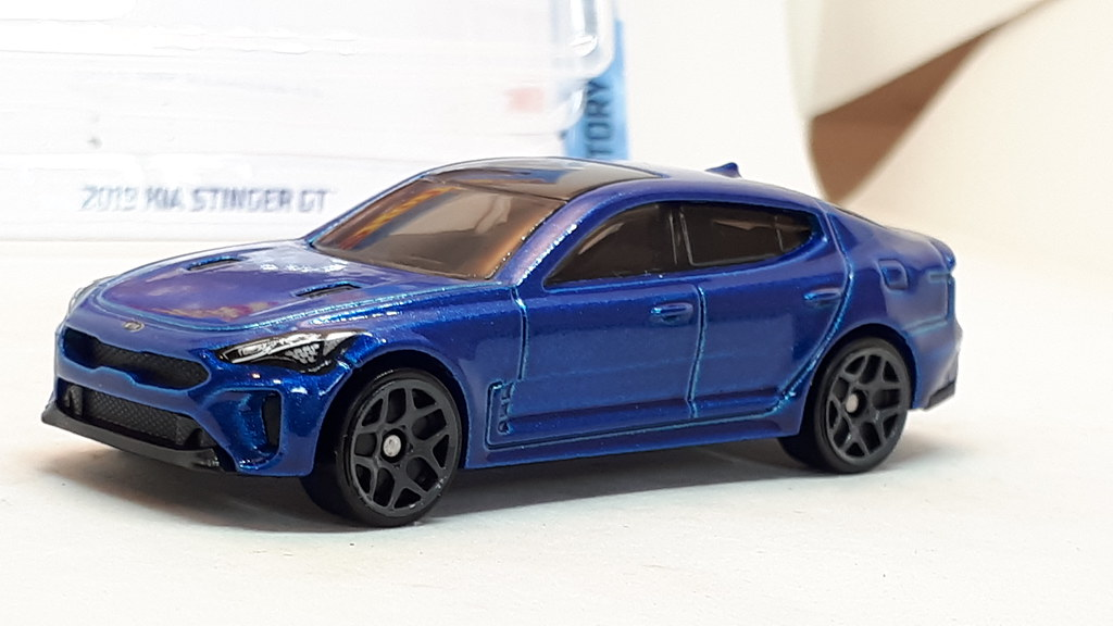 HOT WHEELS 2019 Kia Stinger GT Factory Fresh Off S/&H+5-15/% W//More 3.00 Blue