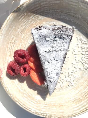#vegan fika at petjo's café, villa skoga, kungsängen, sweden, july 23, 2020
