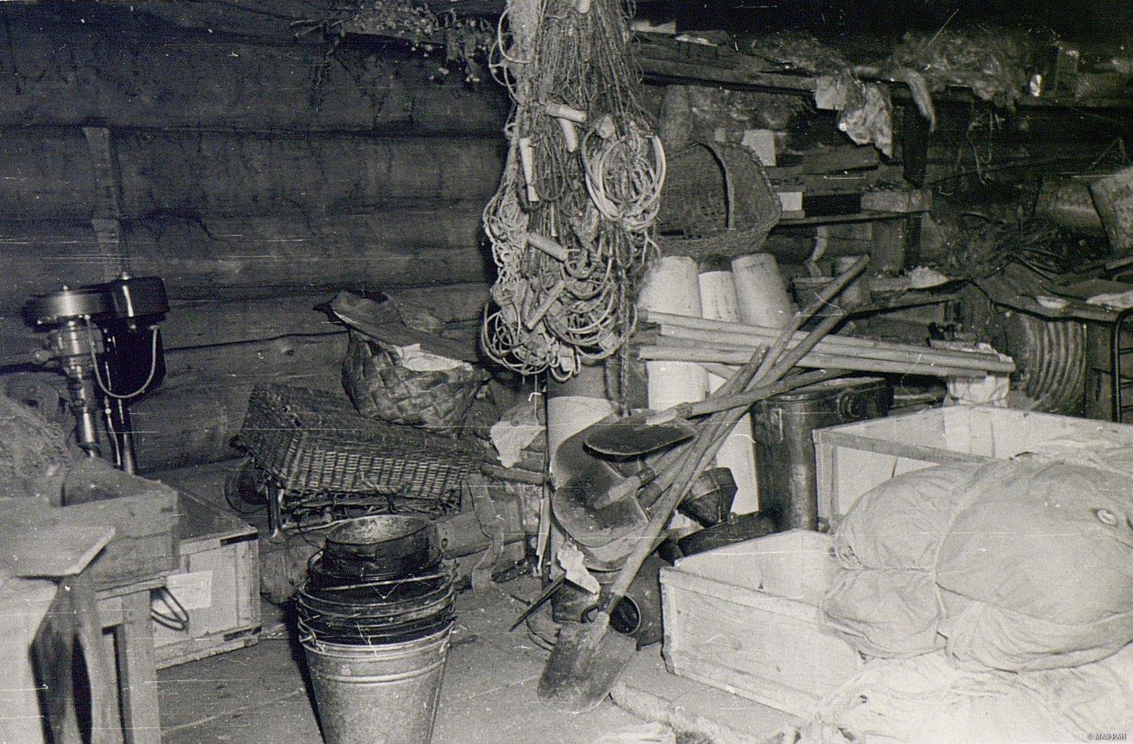 Внутренний вид амбара М.Е. Карпова