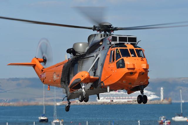 Westland WS-61 Sea King HU.5 I ZA166 'Dara' I HeliOperations, RNAS Portland