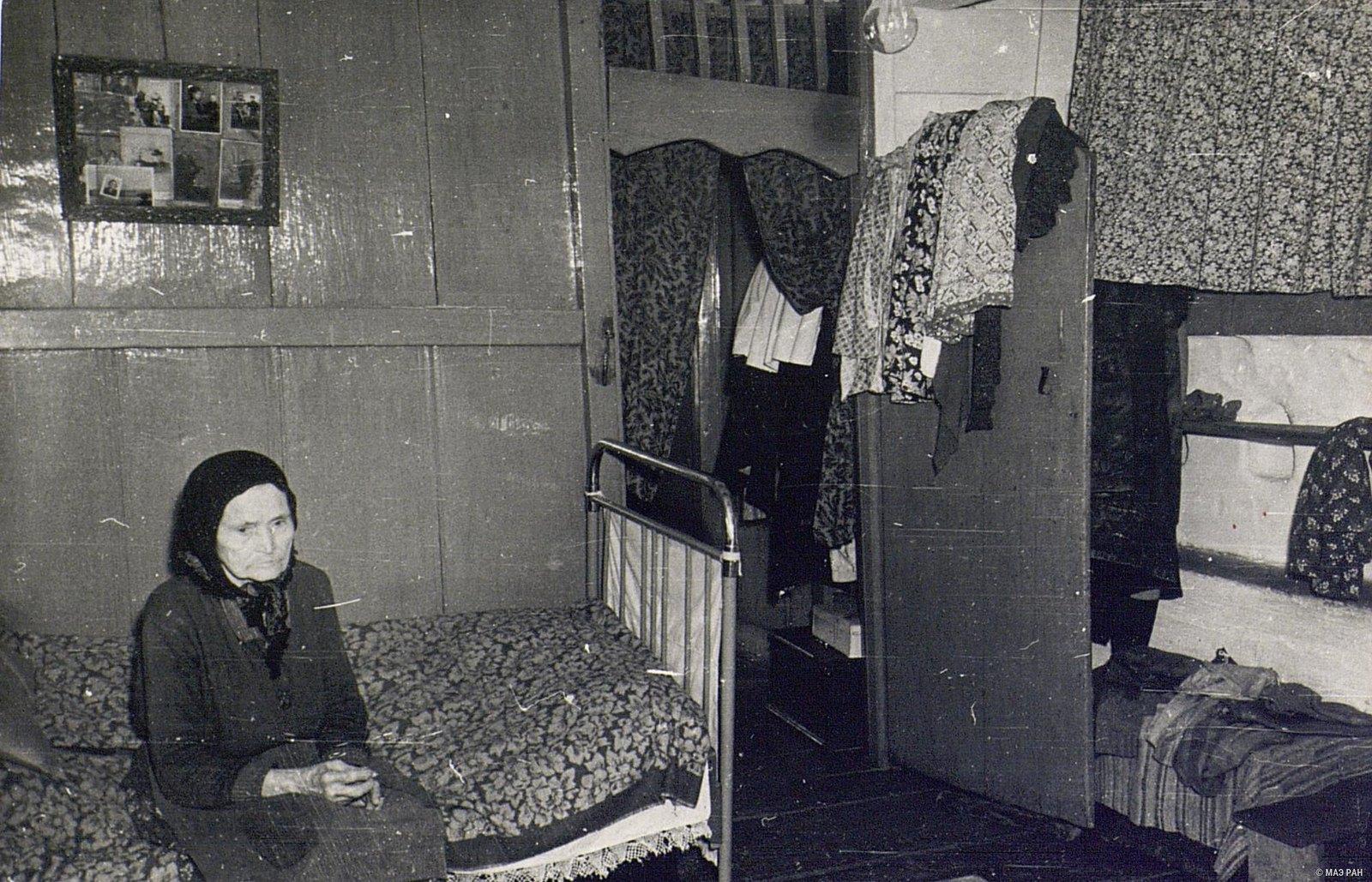 Внутренний вид комнаты в доме А.А. Вдовиной.