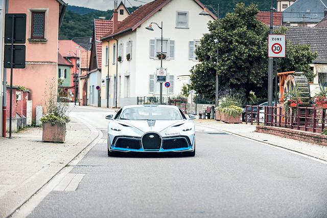 bugatti-divo-testing-9