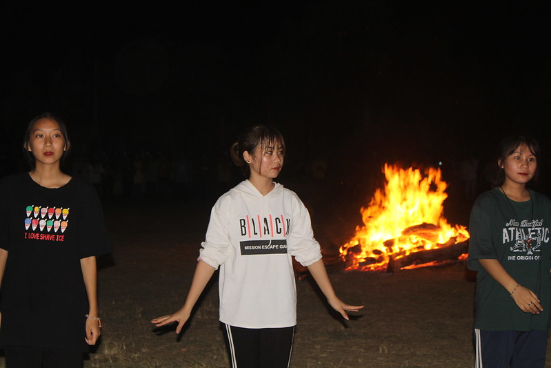Lua thieng (17)