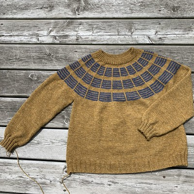I finished my Soundtrack by Marie Greene for the Olive Knits 4 Day KAL! Yarn is Stolen Stitches Nua Worsted.