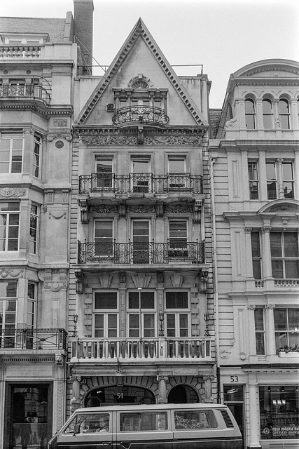 King St, St James's, Westminster, 1987 87-6b-33-positive_2400