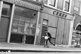Man on Skateboard, Portobello Rd, Notting Hill, Kensington & Chelsea, 1987 87-6d-31-positive_2400