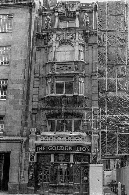 The Golden Lion, King St, St James's, Westminster, 1987 87-6b-34-positive_2400