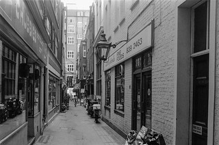 Crown Passage, St James's, Westminster, 1987 87-6a-25-positive_2400