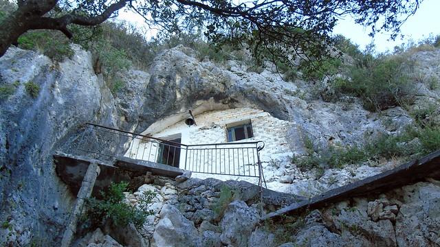 «Μετέωρα των Σφακιωτών»: Το σπηλαιοκκλήσι του Αγίου Στεφάνου