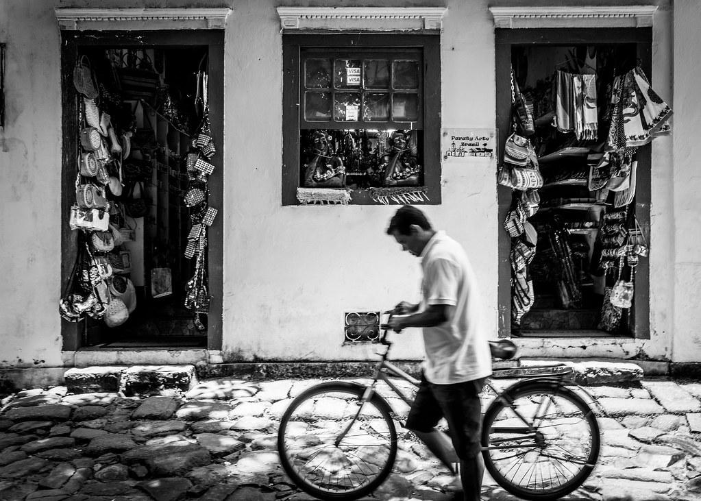 ciclista passando