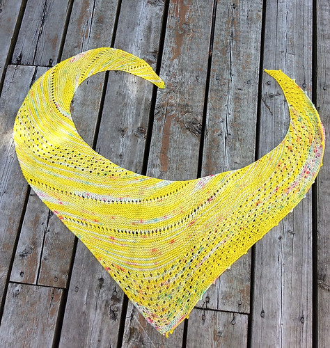 Carrie (CarrieEllis) knit Wild at Heart by Meghan Macko using yarn in a colourway called Candy Starburst!