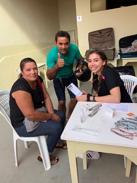 Laura Minton and friends on a Brazil mission trip