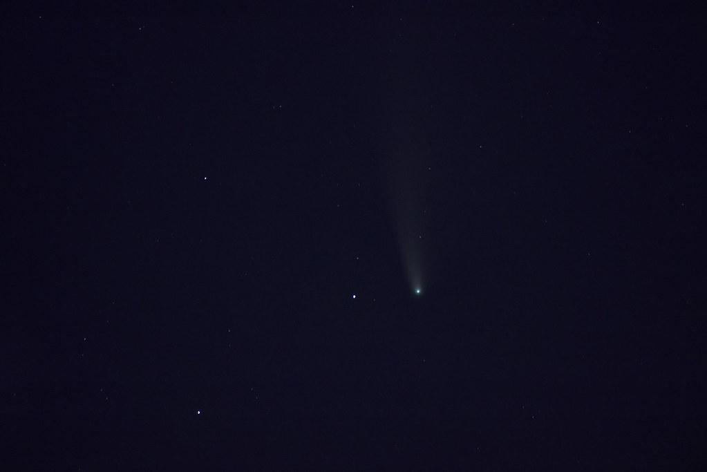 Комета Neowise В созвездии Большой Медведицы.