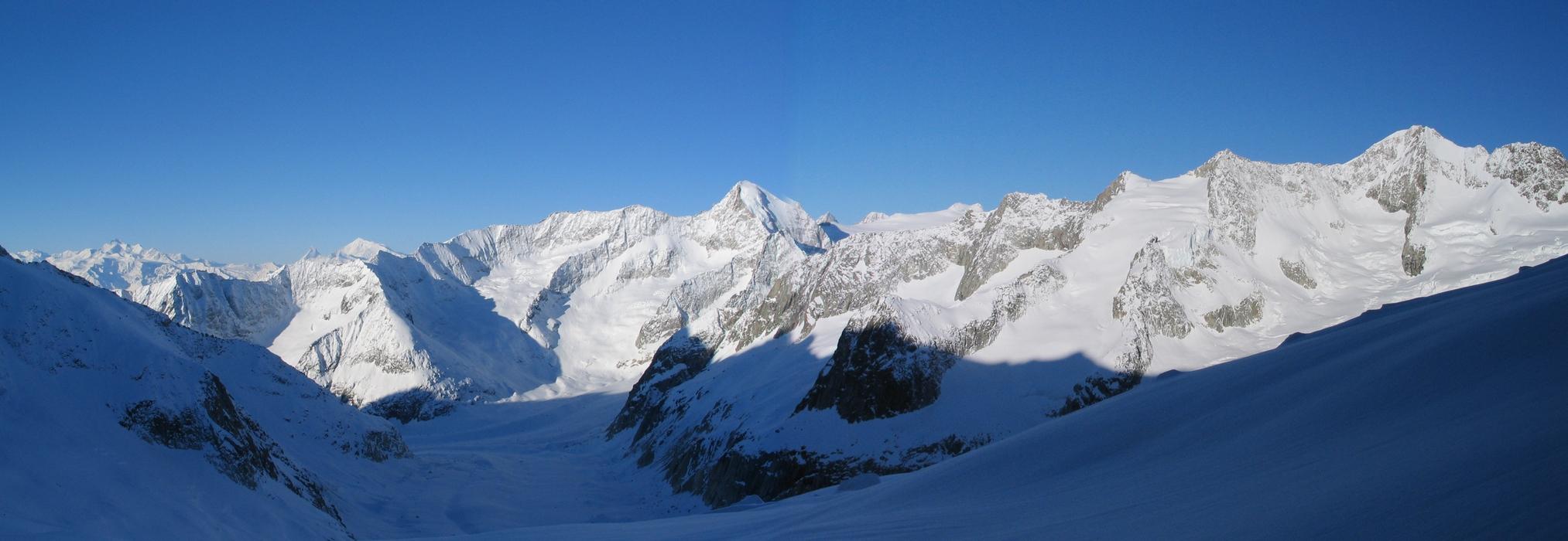 Grosser Aletschhorn Berner Alpen / Alpes bernoises Schweiz panorama 08