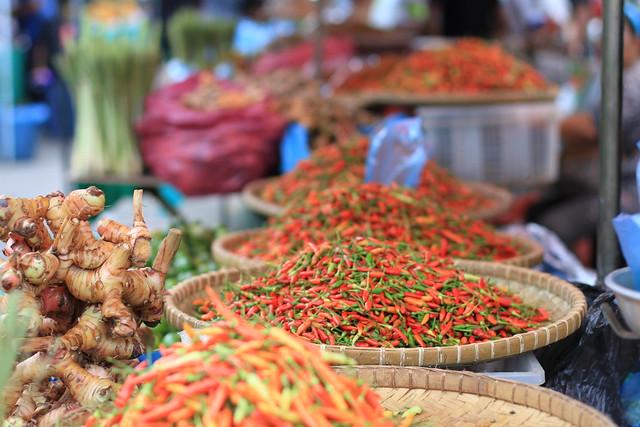 Les Portugais, Hollandais et Anglais ont dominé le commerce d'épices et de soie de Malacca