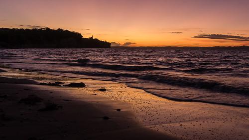 neuseeland newzealand sunset sonnenuntergang strand beach ocean meer orange hibiscuscoast northisland haurakigulf whangaparaoa orewa 200faves
