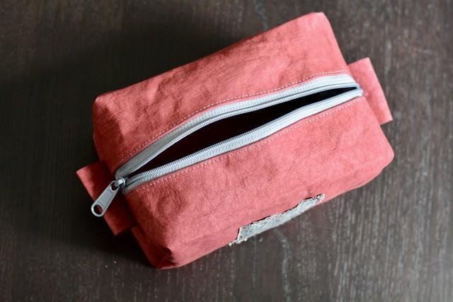 Kraft-tex boxy pouch